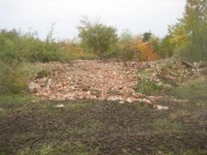 Techno-fest, murbrokkelandsbyen ryddet (2)