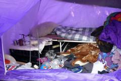 Forladt hjemløse-telt.